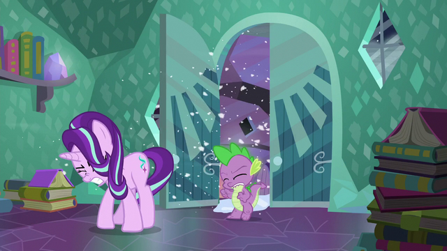 File:Starlight and Spike enters Sunburst's house S6E2.png