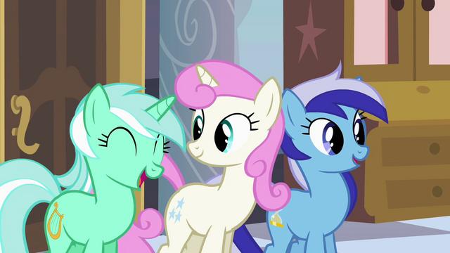 "File:Lyra Heartstrings ""I love them"" S02E25.png"