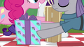 Pinkie and Maud swapping presents S6E3.png