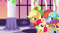 Applejack and friends back away slowly S5E7