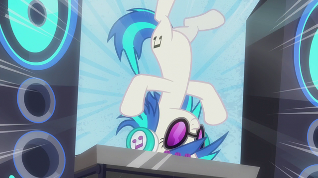 File:DJ Pon-3 spins on turntable on her head S5E9.png