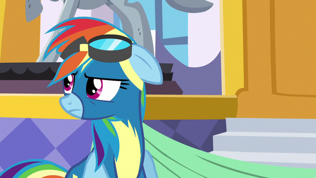 File:Rainbow Dash looking annoyed at her parents S7E7.png