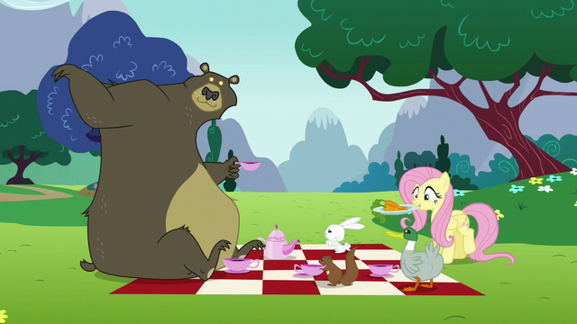 File:Fluttershy returns with plate of carrots S6E6.png