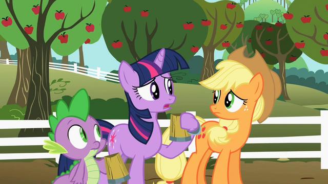 File:Twilight Applejack worried S02E15.png