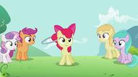 Apple Bloom spinning the hoop 2 S2E06