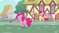 Pinkie Pie Walk 2 S2E6
