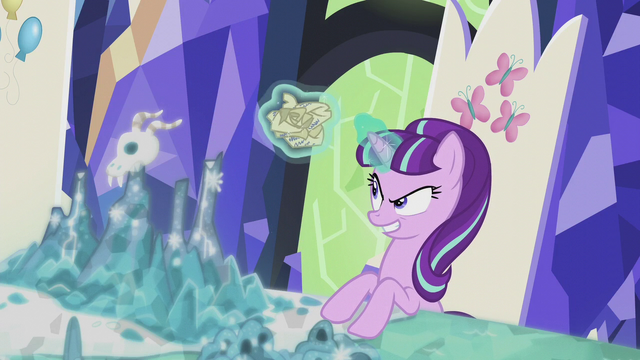File:Starlight Glimmer crumples the scroll S5E25.png