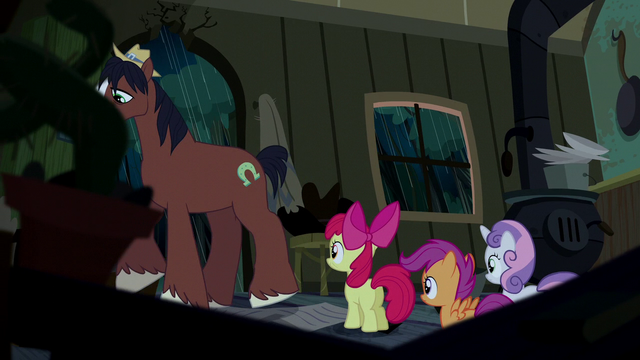 File:Trouble Shoes walking away from CMC S5E6.png