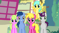 "Crowd of ponies ""no other pony like her"" S4E12.png"