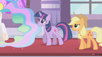 Applejack and Twilight following Celestia S2E01