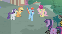 Rainbow Dash gets scared S1E07
