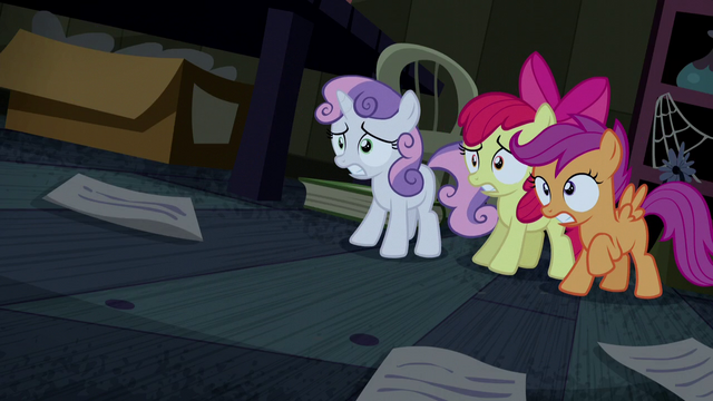 File:Cutie Mark Crusaders cowering in fear S5E6.png