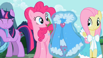 Fluttershy & Pinkie Pie get capes S2E10