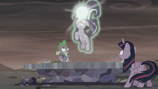 File:Twilight and Spike sees Starlight about to zap the Cutie Map S5E26.png