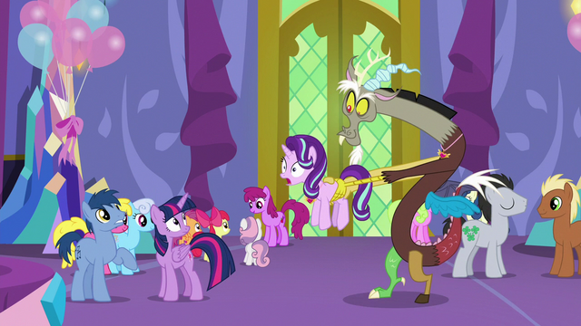 File:Discord returns to Twilight with Starlight S7E1.png