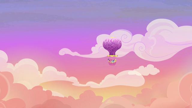 File:Mane Six take the hot-air balloon to Yakyakistan S7E11.png