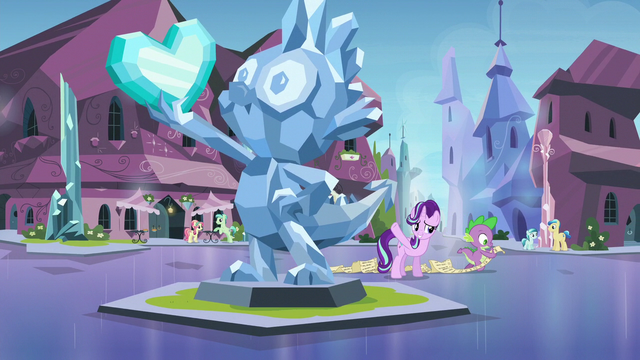 File:Starlight points toward Spike's statue S6E1.png