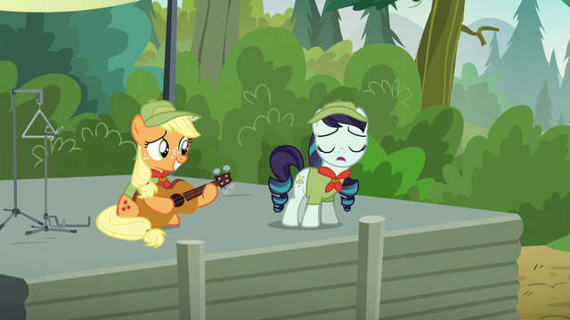 "File:Rara Singing ""Equestria, the Land I Love, a Land of Harmony"" S5E24.png"