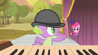 Spike giving Pinkie the thumbs up S1E21