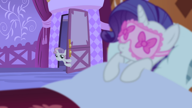 File:Sweetie at the door looking at Rarity sleeping S4E19.png
