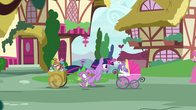 File:Twilight and Spike race toward Sugarcube Corner S7E3.png