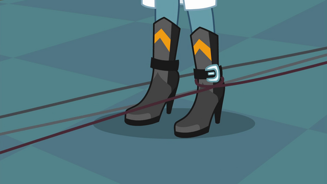 File:Wire wraps around Sunset's ankle EG3.png