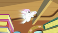 Angel jumps through the air in slow motion S7E5.png