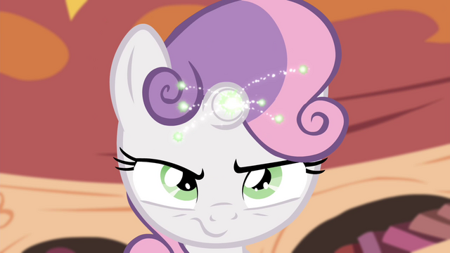 File:Sweetie Belle magic sparks S4E15.png