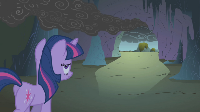 File:Twilight leaving the cave S1E07.png