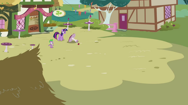 File:Twilight calls for Pinkie to come back S3E3.png