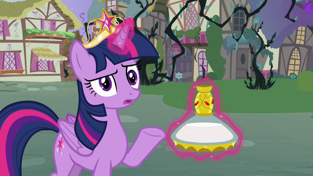 File:Twilight thinks the potion doesn't work S4E01.png