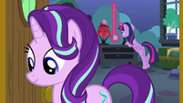 Twilight takes measurements of Starlight's wall S7E1