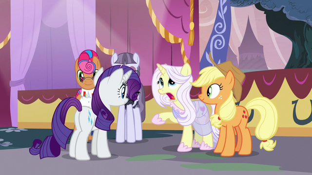 """File:Lily Lace """"she literally did it all by herself"""" S7E9.png"""