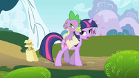 Spike completely enamored S1E01