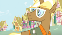 Trenderhoof looks at Applejack walking S4E13