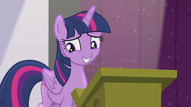File:Twilight forgets the next part of her speech S5E25.png
