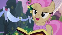 """Young Mayor Mare """"I think that's my cue"""" S7E13"""