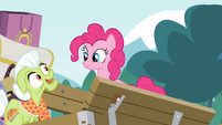 Granny Smith singing towards Pinkie Pie S4E09