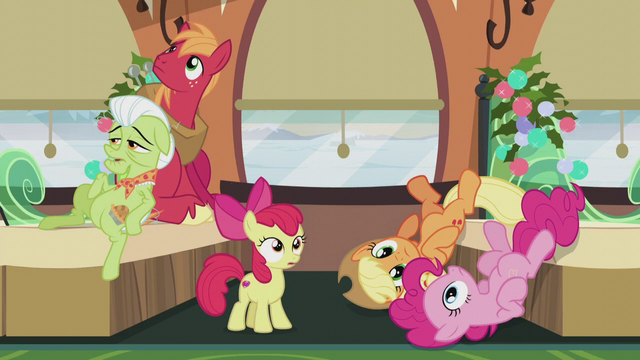 File:Apples and Pinkie hear the train whistle S5E20.png