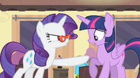 Rarity pointing at Twilight S4E08