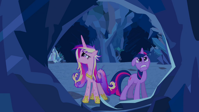 File:Twilight and Cadance in the crystal caves S2E26.png