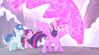 Twilight protects the village ponies S5E2