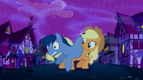 Applejack saves Noteworthy S5E13