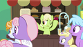 Granny and ponies hear Grand Pear S7E13.png