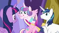 Flurry Heart flying back to her Auntie Twily S7E3.png