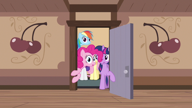 File:Rainbow Dash expecting this S2E14.png