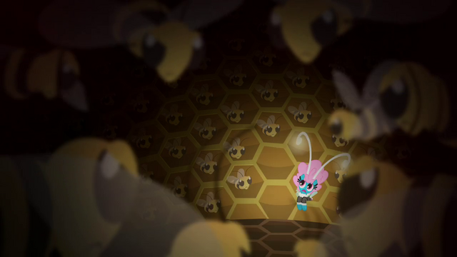 File:Seabreeze surrounded by bees S4E16.png