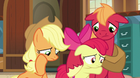 Apple siblings saddened by their parents' story S7E13