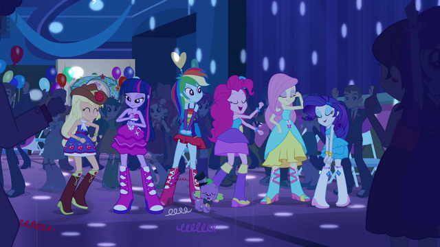 File:Twilight and friends dancing at Fall Formal EG.png