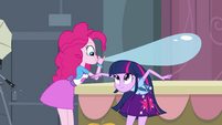 Twilight ducks under Pinkie's balloon EG